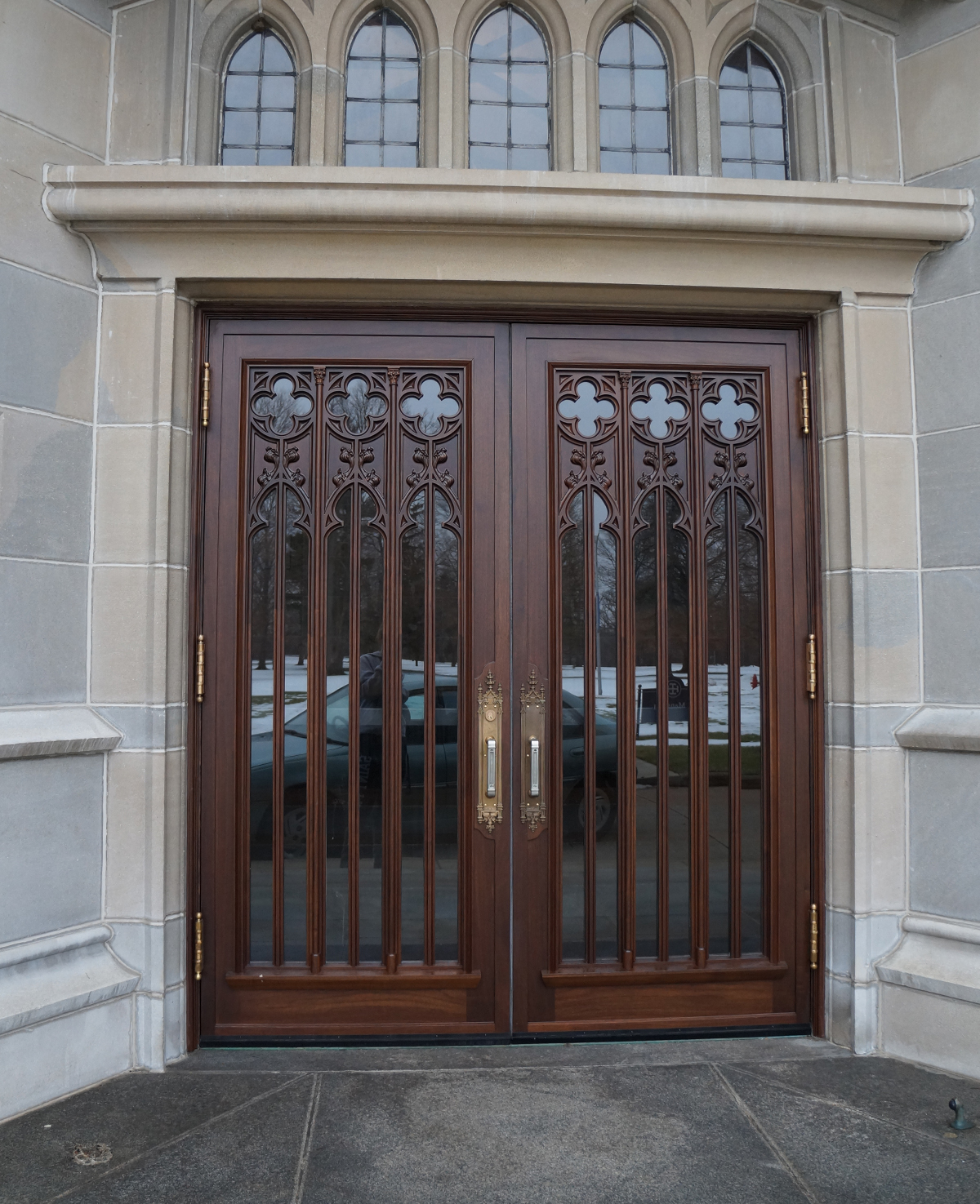 The Le Mans doors once the entrance to Le Mans Hall at Saint Mary\u0027s & Notre Dame Saint Mary\u0027s alumni donate new doors to Le Mans Hall ...